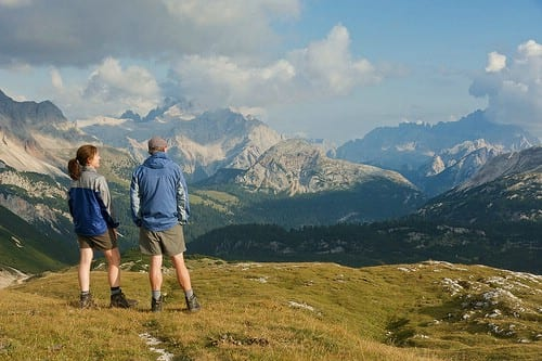 hiking_10-physical-or-outdoor-bonding-activities-for-couples