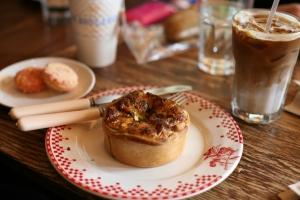 best coffee shop; La Boulange; coffee break; first date