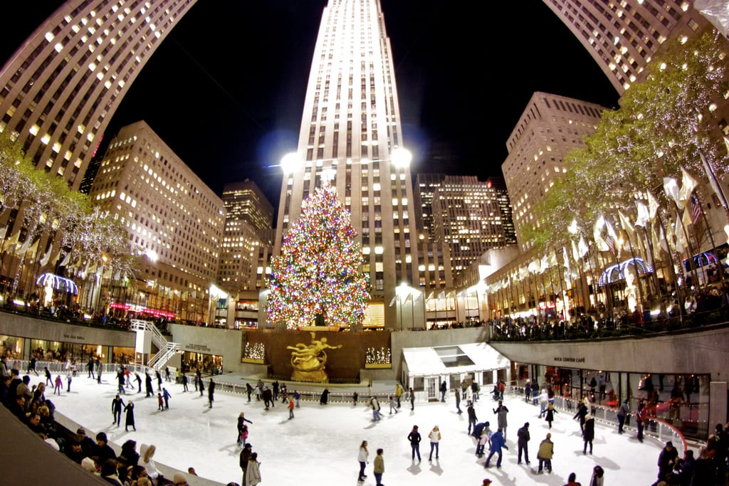 Ice-skating, best date ideas for christmas