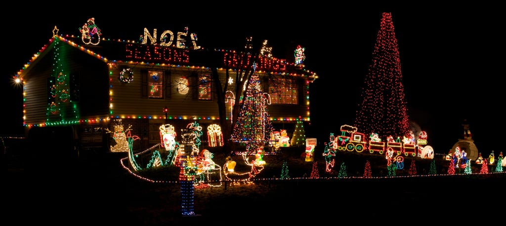 christmas lights houses, romantic date ideas, Christmas date ideas