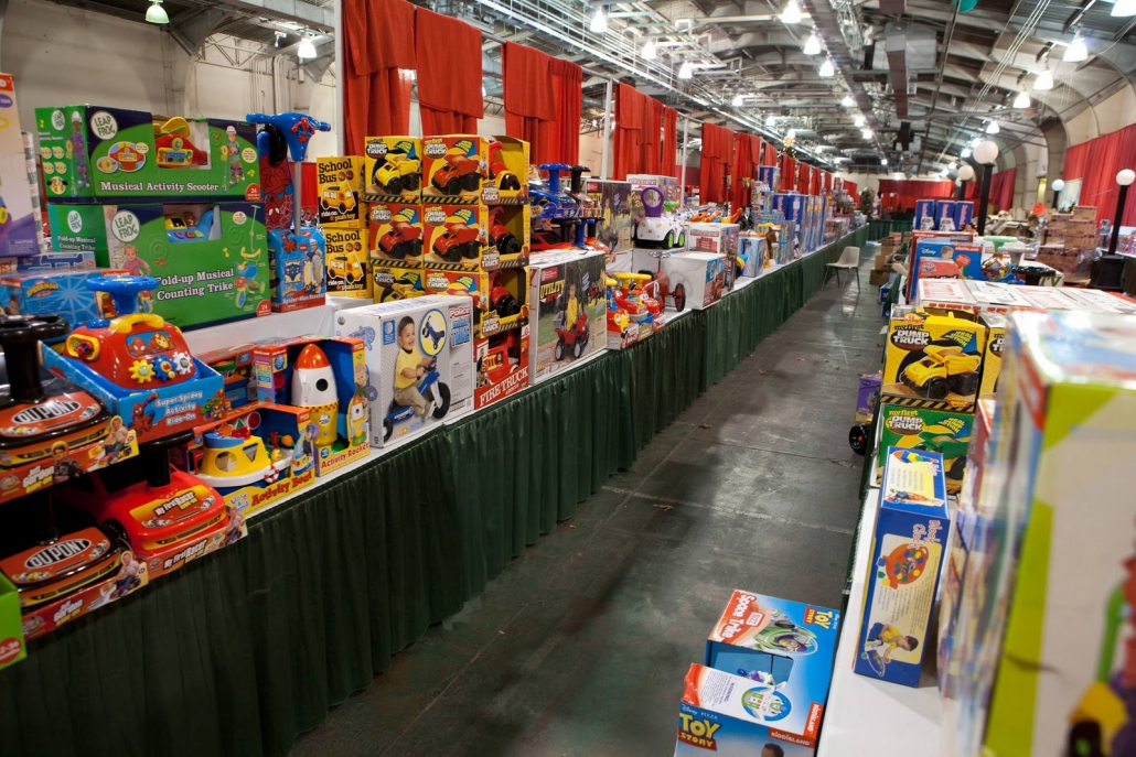 toy drive, christmas date ideas